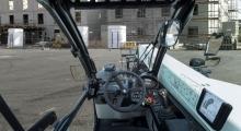 Телескопический погрузчик Bobcat TL30.70 вид из кабины
