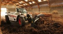 Телескопический погрузчик для сельского хозяйства Bobcat TL38.70HF+AGRI расчищает