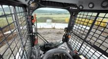 Колесный мини погрузчик Bobcat A770 кабина изнутри