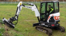 Мини экскаватор Bobcat E26 вид слева