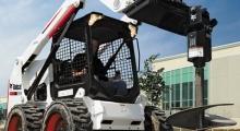 Колесный мини погрузчик Bobcat S630 в работе